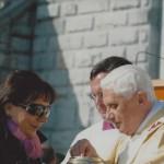 2008 - La moglie Stefania con Papa Ratzinger